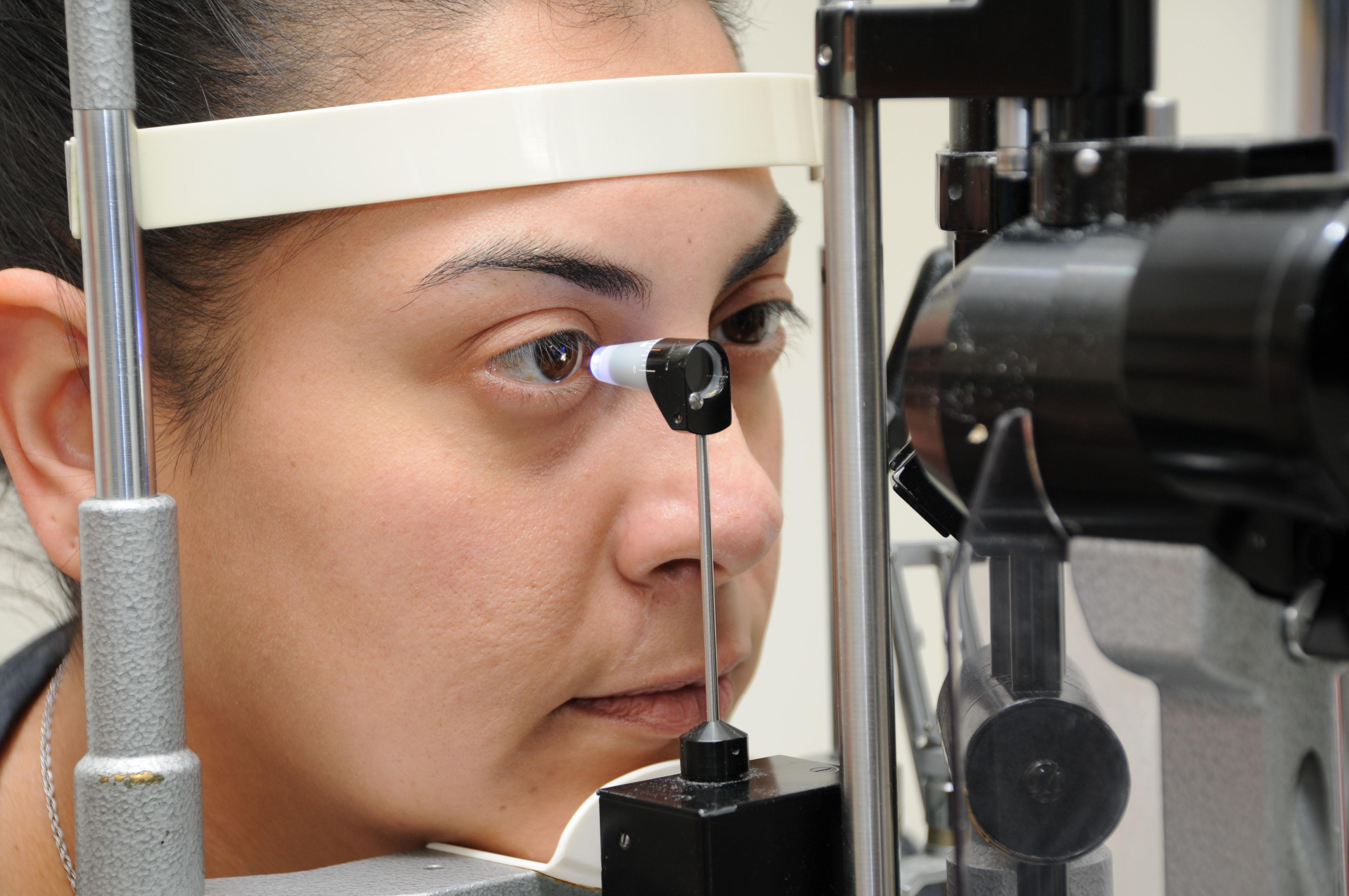 Как измерить глазное давление в домашних условиях: приборы 13